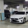 (海外の反応) 駐車場2両を占めたベンツ…「手を触れたら死ぬことができます」