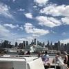 ハドソン川から見るマンハッタン停泊中の豪華客船