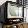 テレビは安くて小さいのを買って、大画面はpopIn Aladdin2で。