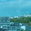 アマルフィか、異世界か、西宮名塩ニュータウンという山中にポツンとある未来的な街の光景