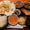 石川県津幡町北中条にある与市で、天ぷら膳。ボリュームある定食でお腹いっぱい。