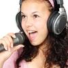もう恥ずかしくない!歌下手音痴のためのカラオケ練習グッズ10選!