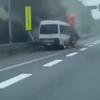 影像!新東名高速遠州森町パーキングエリア付近で少年野球24名乗ったマイクロバス炎上