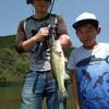 萩尾溜池で家族釣り。子供でも釣れる(^ω^)