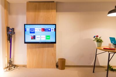 【賃貸DIY】2万円でここまでできる壁掛けテレビ!ディアウォールで穴を開けないDIY [その1]
