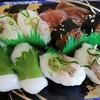 夜勤明け、居眠りしながら「いかづくし」の寿司を食べる