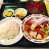 東来軒の酢豚定食