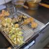 幸運な病のレシピ( 2303 )昼 :天ぷら(鮭の白子、キャベツ、ナス、ソーセージ)、いただきものの素麺