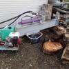 新作動油タンクの薪割り機 幼虫 Wood splitting machine with a new hydraulic oil tank