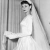 ウェディングドレスのような優雅なウェディングベールを選んだセロップ