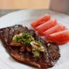 ステーキ肉を最大限おいしく焼く方法/レシピ「ガーリックビーフステーキ」