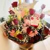 お祝いの大きな花束をいただきました〜
