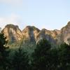 奇岩秀峰のふもとにある庚申塔 猿田彦大神