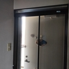 夏本番、玄関網戸使い始めました。