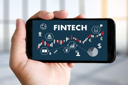 """スタートアップ企業に大きい強み """"銀行API公開""""で加熱していくFinTech開発"""