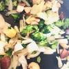 今年のハーブたち植えました。ランチは野菜たっぷりフライドライスのきのこクリームソースがけ。