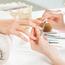 【初めてのネイルサロン】乾燥する指先をキレイにするネイルオイル選び方のコツとは?