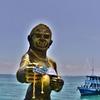 サメット島~「ナダム埠頭」の先にある思わず見入ってしまう爆乳の銅像はいったい何者なのか!?