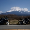 富士山を見に行こう! 忍野八海はガッカリスポットだった (ストリートトリプルRS)