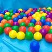 夏のおすすめ!子供用プールにカラーボールを浮かべて遊ぼう