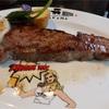 沖縄・ブセナテラスで夏休み その17 ステーキハウスナカマでステーキガールがシャカシャカ