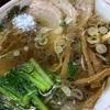 夜遅くのラーメンは太るわね 58.9キロ、生わかめの生姜ネギ醤油づけが美味しい!!