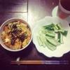 ひとり飯 / ミニキムチ卵丼 featuring 塩麹&きゅうり