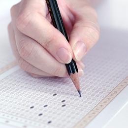 公務員を目指している就活生必見!公務員試験の適性検査とは