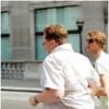 半袖ワイシャツを着たおっさんはなぜ太っているのか?