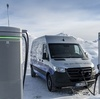 ● メルセデスベンツの電動商用車『eスプリンター』のプロトタイプ画像、2019年後半に発売へ
