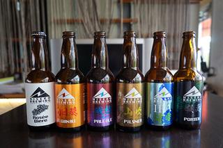 北海道・ニセコの温泉に入って、地元の食材を使ったクラフトビール「ニセコビール」を飲む旅