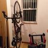 ロードバイクの屋内保管(縦置き)におすすめ ~ サイクルロッカー サイクルスタンド