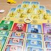 「サンドキャッスル 完全日本語版」〈ボードゲーム〉:フリードマン・フリーぜ新作!デッキを解体していく、ちょっと変わったボードゲーム の日本語版が発売されたよ!