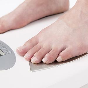 ヘルスケアのための体重計の選び方│測定項目やスマホ連携機能など、体組成計を選ぶポイントをチェック!