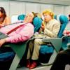 """航空会社の乗務員が教えてくれた""""配慮ある座席背もたれの使い方"""""""