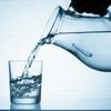 一度にたくさんの水を飲むのは体に悪い! 「体に良い水の飲み方」を8つ紹介