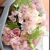 ライブ会場へお届け。可愛いピンクの花束