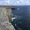 """アラン諸島へ。3000年前につくられた砦""""ドゥン・エンガス""""から眺める大西洋は穏やかに煌めいていた"""