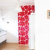 【マリメッコの壁紙】アクセントクロスを2か所(キッチンと寝室)に貼りました!