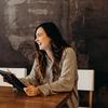 美男美女は仕事で成功しやすく年収も高い!外見格差の心理学