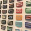 【壁に穴をあけないインテリア】ファミコンカセットの壁面ディスプレイにおすすめな物をご紹介!