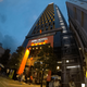 歌舞伎町ど真ん中の「アパホテル 新宿 歌舞伎町タワー」、最上階28階には展望大浴場。