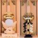 三社の神棚の扉の前に神具を置く 神鏡でも金幣芯でも祓串でもいいだろう