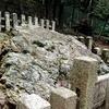 【末刀岩上神社】下鴨神社の水ごしらへ場の磐座に降臨する水の神を祀る大岩
