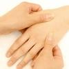 親指の腱鞘炎(バネ指)が痛くてしょうがないけど自宅で効果的な治し方、痛みの緩和法が知りたい