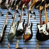 エレキギター初心者は入門セットが買い?