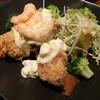 楽器練習終わりにいつものとこで夜ご飯。金沢市新保本のチョップスティックで、特製タルタル海老チキンバジルソース仕立て。