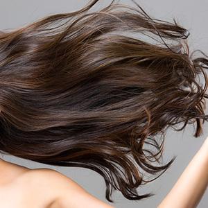 """トリートメントより効果的!? 内側から""""美髪""""をつくるコツ&栄養素"""