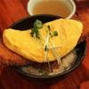 こぼれんばかりの玉子がふわとろ角煮カツ丼の『さま田』