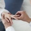 結婚記念日に指輪を贈るすてきなおじさま☆